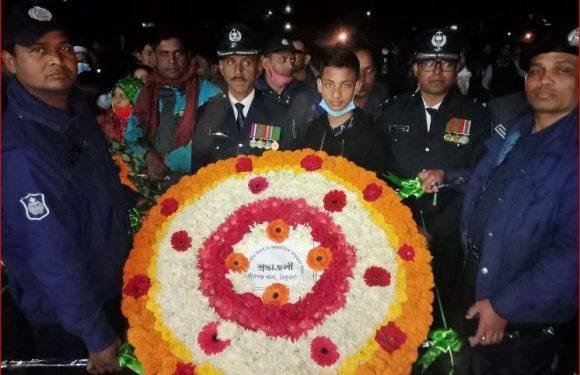 ঠাকুরগাঁওয়ের পীরগঞ্জ আন্তর্জাতিক মাতৃভাষা দিবস উপলক্ষে শহীদের স্মরণে ফুল দিয়ে শ্রদ্ধা