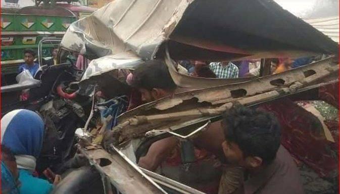 চট্টগ্রাম-কক্সবাজার মহাসড়কের মুখোমুখি সংঘর্ষ