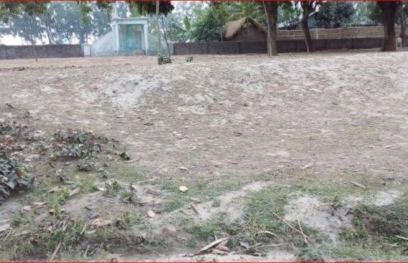 ঈদগাহ ময়দানের মাটি ভরাট কাজ না করেই বিল উওলোনের অভিযোগ