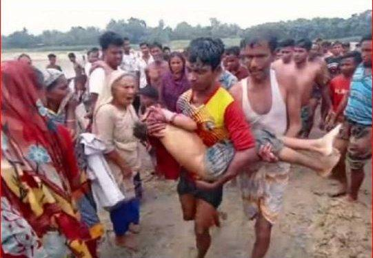 নওগাঁর মহাদেবপুরে নদীতে বাবার সাথে গোসল করতে গিয়ে শিশুর মৃত্যু